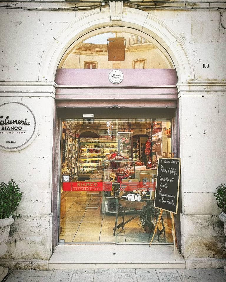 Chi siamo | Salumeria Bianco - Bottega e panini dal 1936